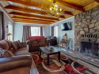 Photo for Dog-friendly mountainview cabin w/ great location near golf course
