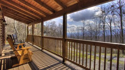 Photo for 3BR/3BTH LOG CABIN 3.4 miles from the strip in Gatlinburg. Book now!