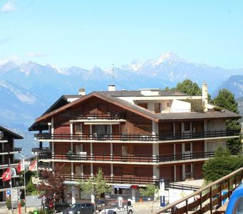 Photo for 1 bedroom apartment with wonderful views over the valley and located at the bottom of the ski slopes
