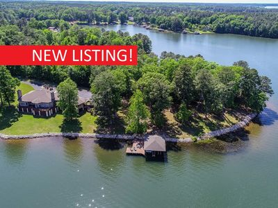 Photo for NEW! 650FT Main Lake, 8 BDRM 5500SQFT 180+Degree View Plus Guest House Dbl Boath