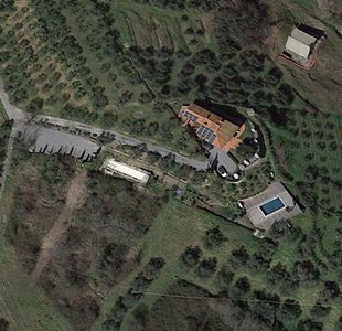 Photo for Appartement with pool, located between olive treees and wine rapes