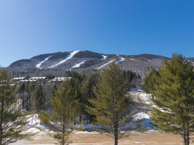 Photo for Conveniently located condo w/ shared pool & hot tub - ski-in & ski-out!