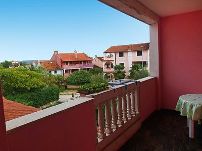 Photo for Apartment 476 m from the center of Rovinj with Parking, Internet, Air conditioning, Pool (142571)