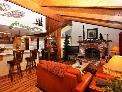 A Short Walk To The Chairlift-Foosball-BBQ-wireless WIFI -close to golf course