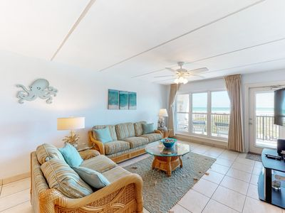 Photo for Oceanfront condo with w/multiple pools, hot tubs, tennis courts & a restaurant!