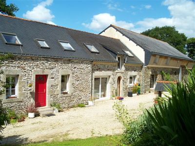 Photo for Beautifully renovated farmhouse with pool sleeps 18