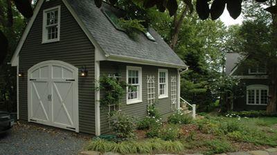 """Photo for Annapolis waterfront """"tiny house"""" in garden setting"""