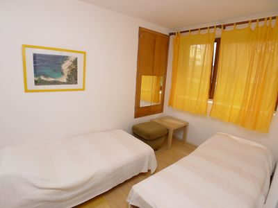 Photo for Apartment for 5 persons with two bedrooms and internet