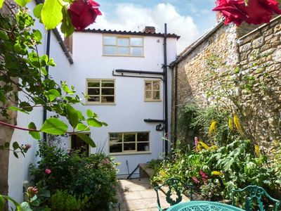 Photo for Howe End Cottage, KIRKBYMOORSIDE
