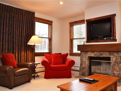 Photo for Charming  2 Bedroom  - Main Street Junction 7
