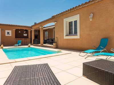 Photo for Nice house with private pool in charming village crossed by the canal