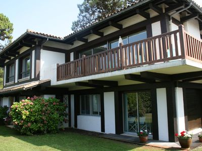 Photo for Beautiful family house 50 m from the beach overlooking the pool
