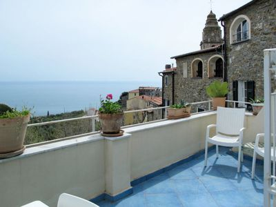 Photo for 4 bedroom Villa, sleeps 8 in Cipressa with WiFi