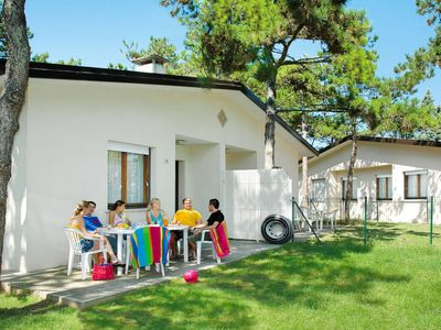 Photo for Vacation home Villaggio Le Palme (LIG565) in Lignano Pineta - 6 persons, 2 bedrooms