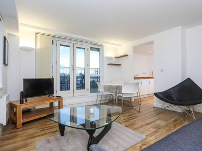 Photo for Superb Roof Terrace near Shoreditch!