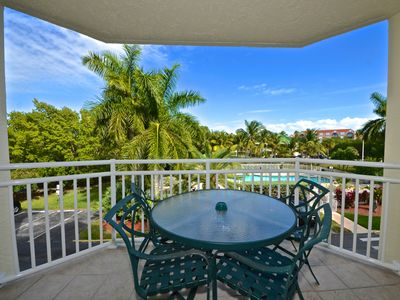Photo for Lovely condo w/ pool & hot tub right nearby the beach. Family Friendly! Dogs OK!