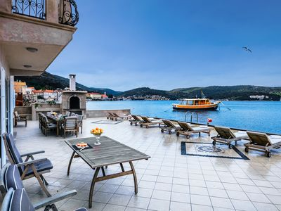 Photo for Apartment 208 m from the center of Vis with Internet, Air conditioning, Terrace, Balcony (993072)