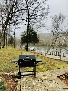 Master Forge charcoal/wood bbq pit CHARCOAL/WOOD/LIGHTER FLUID NOT PROVIDED!