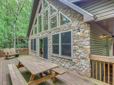 """Photo for """"Four Seasons"""" Vacation Home with Huge raised Deck, Hot Tub, Pool Table, WIFI"""