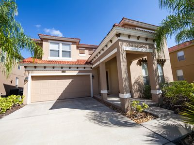 Photo for LUXURY LAKEVIEW VILLA CLOSE TO DISNEY, DISCOUNTS AVAILABLE. GREAT REVIEWS.