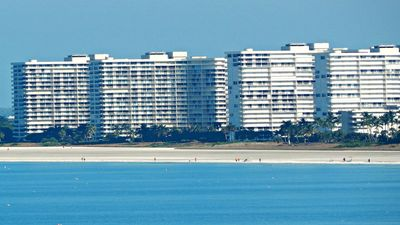 Photo for Sea Mar Condo: 19th Floor Penthouse Views of Crescent Beach-Free Wifi