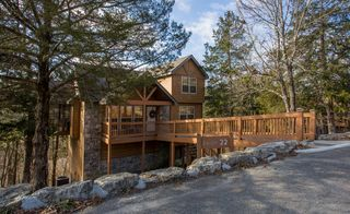 Whispering woods lodge 2 bedroom 2 homeaway branson west for Whispering woods cabins