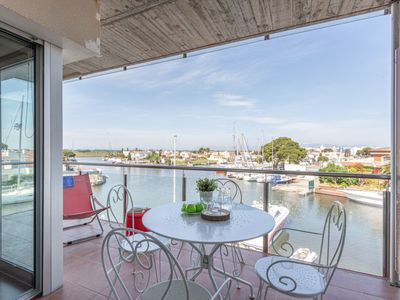 Photo for Apartment Cap Mestral in Roses - 6 persons, 2 bedrooms