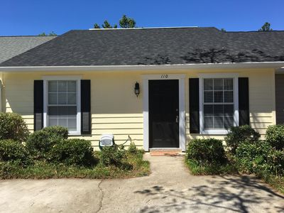 Photo for Convenient Sside Location/ close 2 shopping &dining. Quiet neighborhood/Pets ok