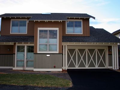 Photo for Beautiful 2017 built home in Eagle Crest with fabulous amenities & guest passes