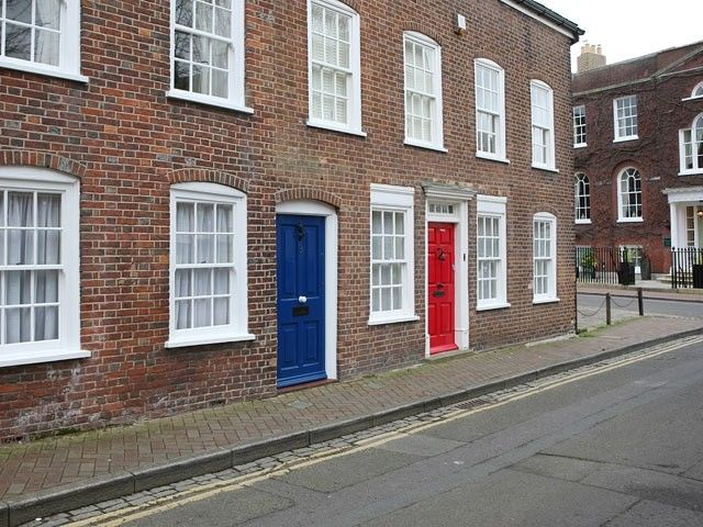 Beautiful character terraced house in poole 39 s historic for Terrace house season 2