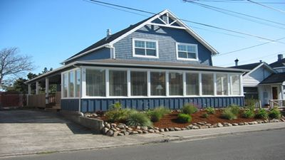 Photo for Lovely, pet friendly close to the prom