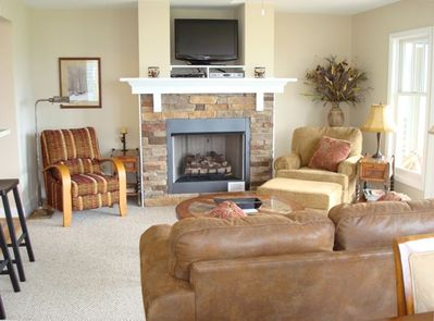 Great Room With Fireplace & 32' TV