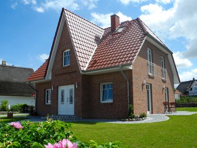 "Photo for Holiday house ""Wild Rose"", fireplace, sauna, Baltic Sea view, free WiFi"