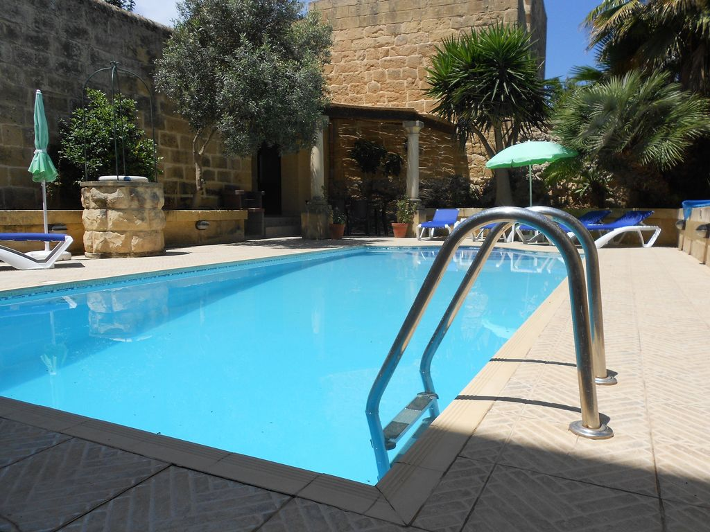 G687 Fantastic House Of Character With Own Private Swimming 8124382