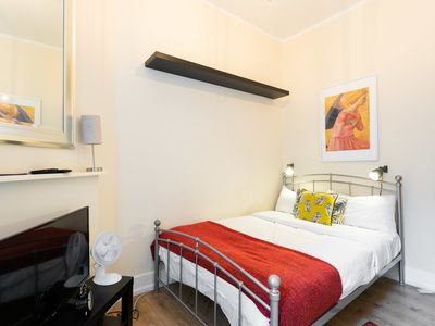 Photo for Bloomsbury Room 2 with shared bathroom (RU/CL)