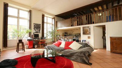 Enjoy the experience to live in a renovated 17th century mansion