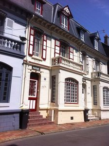 Photo for Villa Touquettoise, 5 bedrooms for 10 people, downtown Le Touquet