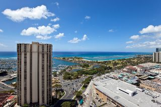 Photo for 33rd Floor 2 bdrm Penthouse with Majestic Ocean View! Book Now!