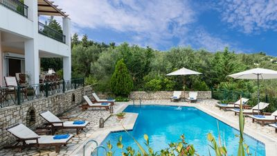 Photo for Beautiful villa with space for up to 10 people.