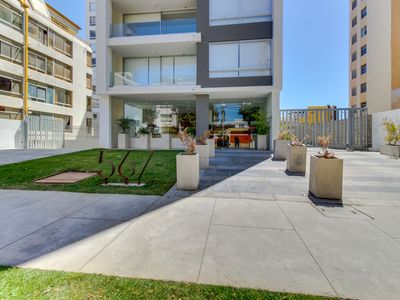 Photo for Depto moderno a pocas cuadras de la playa - Modern apt a few blocks of the beach