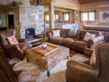 Gorgeous, Spacious, Quiet Retreat! 4th of July still open!