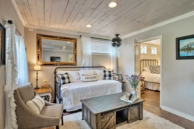 Book this charming cottage for your upcoming Austin adventure!