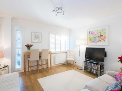 Photo for Stunning 1 bed flat with a rooftop terrace (for 4)