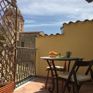 Photo for Spacious apartment with terrace in the heart of Palermo's historical old town