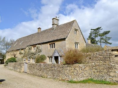 Photo for 4 bedroom property in Bourton-on-the-Water.
