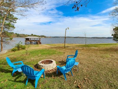Photo for 4*Bedrooms*2Baths*Sleeps 8*Game Room*Fire Pit*Boat House with fishing Platform