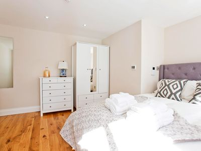 Photo for Brand new luxury 1 bedroom flat in Earls Court!