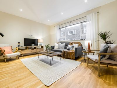Photo for (2) South Kensington Flat with 3 beds, 2.5 baths