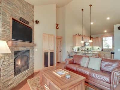 Photo for NEW LISTING! Modern ranch home w/private hot tub, deck, shared pool, tennis