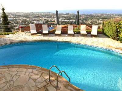 Fantastic Views and Accommodation, with private pool and games room and air con